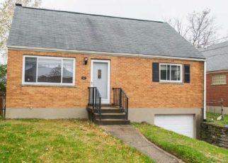 Pre Foreclosure in Cincinnati 45231 BOBOLINK AVE - Property ID: 1325981773