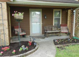 Pre Foreclosure in Huntington 46750 N 622 W - Property ID: 1326070683