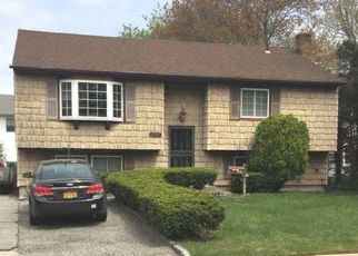 Pre Foreclosure in Amityville 11701 UNION AVE - Property ID: 1326273904
