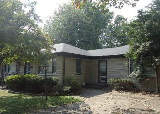 Pre Foreclosure in Louisville 40216 GLENHURST AVE - Property ID: 1327156858