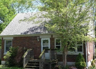 Pre Foreclosure in Louisville 40214 ROSEMARY LN - Property ID: 1327165157