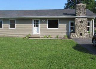Pre Foreclosure in Sellersburg 47172 BUGABOO LN - Property ID: 1327214217