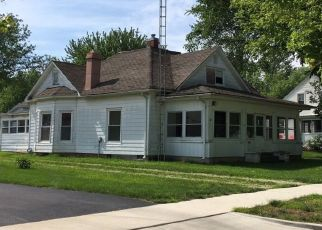Pre Foreclosure in Shelbyville 62565 N MORGAN ST - Property ID: 1327230429