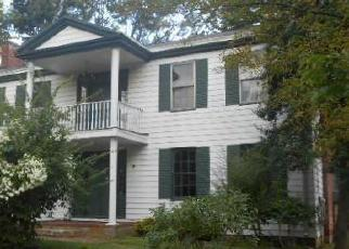 Pre Foreclosure in Louisville 40219 SHEPHERDSVILLE RD - Property ID: 1327231301