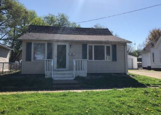 Pre Foreclosure in Canton 61520 S 1ST AVE - Property ID: 1327446346