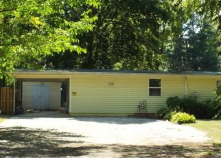 Pre Foreclosure in Monticello 47960 N DIAMOND POINT CT - Property ID: 1327477443