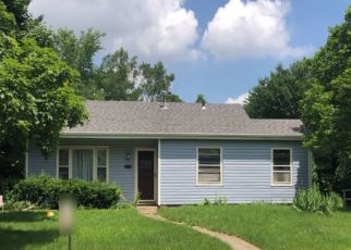 Pre Foreclosure in Roselle 60172 W WOODWORTH PL - Property ID: 1327578171