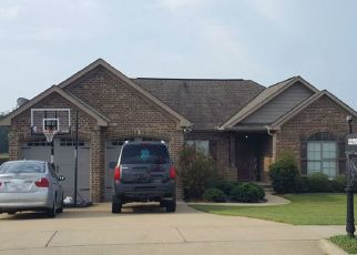 Pre Foreclosure in Northport 35473 AUTUMN LEAVES TRL - Property ID: 1328945987