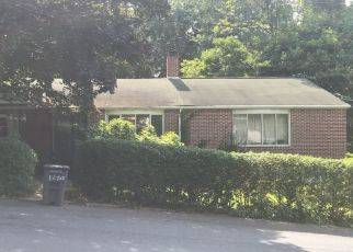 Pre Foreclosure in York 17403 S ALBEMARLE ST - Property ID: 1329032697
