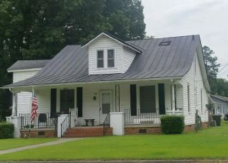 Pre Foreclosure in Emporia 23847 LEE ST - Property ID: 1329240735