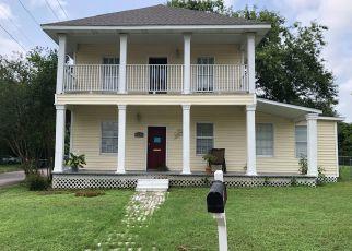 Pre Foreclosure in Cuero 77954 E MORGAN AVE - Property ID: 1329431698