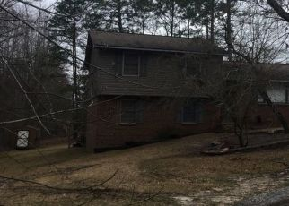Pre Foreclosure in Fayetteville 28314 BEVERLY DR - Property ID: 1329546882