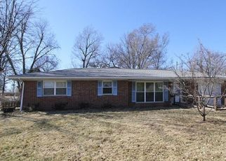 Pre Foreclosure in Belleville 62223 SOUTHGATE DR - Property ID: 1329782500
