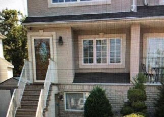 Pre Foreclosure in Staten Island 10309 ROSSVILLE AVE - Property ID: 1329864403