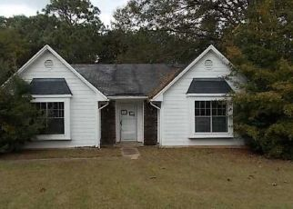 Pre Foreclosure in Mobile 36695 RUSTIC CT - Property ID: 1330837132
