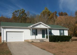 Pre Foreclosure in Hopkinsville 42240 PINE HILL DR - Property ID: 1331337310