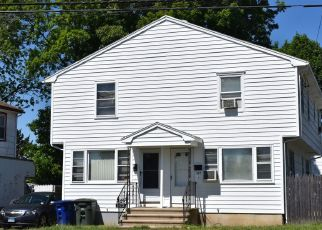 Pre Foreclosure in Bridgeport 06606 RESERVOIR AVE - Property ID: 1332211509