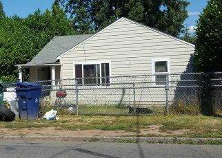Pre Foreclosure in Seattle 98178 78TH AVE S - Property ID: 1332950819