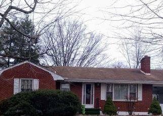 Pre Foreclosure in Roanoke 24017 FAIRHOPE RD NW - Property ID: 1333062495