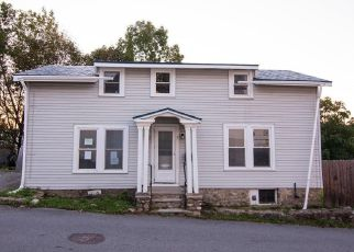 Pre Foreclosure in Amesbury 01913 LINWOOD PL - Property ID: 1333188182