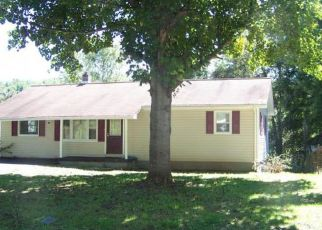 Pre Foreclosure in Mountain City 37683 HOSPITAL HILL RD - Property ID: 1333445728