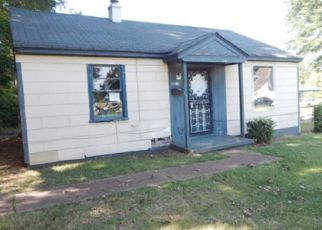 Pre Foreclosure in Memphis 38109 ALTA RD - Property ID: 1333508795