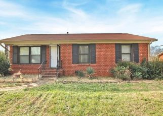 Pre Foreclosure in Charlotte 28208 BUTLER RD - Property ID: 1333687925