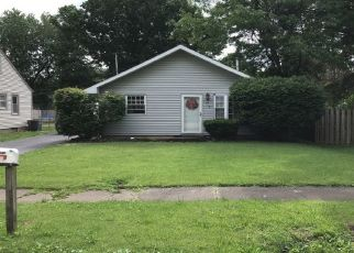 Pre Foreclosure in Taylorville 62568 N PERSHING AVE - Property ID: 1333866168