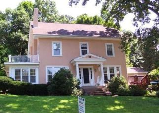 Pre Foreclosure in Reading 19609 WYOMISSING HILLS BLVD - Property ID: 1334415841