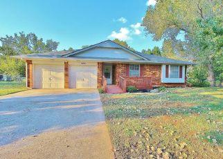Pre Foreclosure in Mustang 73064 E CARSON LN - Property ID: 1334504748