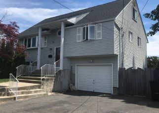Pre Foreclosure in Bay Shore 11706 HARRISBURG ST - Property ID: 1334861695