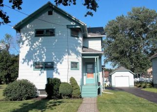 Pre Foreclosure in East Syracuse 13057 MCCOOL AVE - Property ID: 1334943139