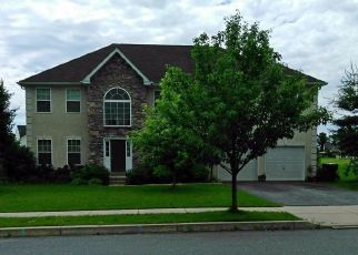 Pre Foreclosure in Breinigsville 18031 SLEEPY HOLLOW LN - Property ID: 1335797639