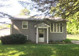 Pre Foreclosure in Carpentersville 60110 WESTWIND DR - Property ID: 1335923331