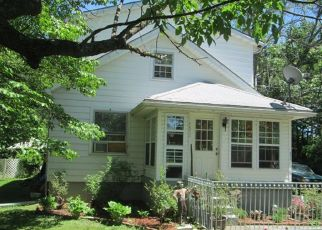 Pre Foreclosure in Louisville 40216 SUNSET DR - Property ID: 1336013561