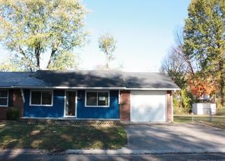 Pre Foreclosure in Sellersburg 47172 LINNWOOD AVE - Property ID: 1336027126