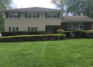 Pre Foreclosure in Fairfield 35064 PINE TREE LN - Property ID: 1336220276
