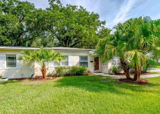 Pre Foreclosure in Jacksonville 32207 LAKEWOOD CIR N - Property ID: 1336288160