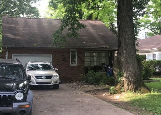 Pre Foreclosure in Fort Wayne 46806 E MAPLE GROVE AVE - Property ID: 1336368762