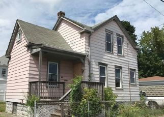 Pre Foreclosure in New Bedford 02745 EDISON ST - Property ID: 1337296833