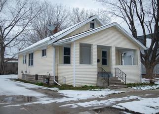 Pre Foreclosure in Green Bay 54301 SAINT CLAIR ST - Property ID: 1337663406