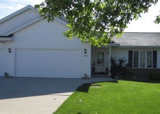 Pre Foreclosure in Fond Du Lac 54935 GREENBRIAR AVE - Property ID: 1337672161