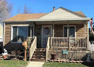 Pre Foreclosure in Harper Woods 48225 WOODLAND ST - Property ID: 1337707197