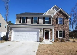 Pre Foreclosure in Newport News 23601 NEWMAN DR - Property ID: 1337871895