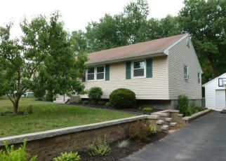 Pre Foreclosure in Latham 12110 OLD LOUDON RD - Property ID: 1338068987