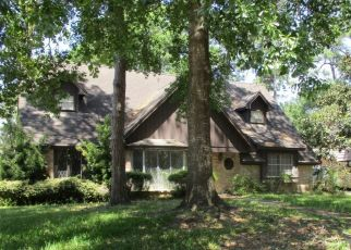 Pre Foreclosure in Houston 77090 BAFFIN LN - Property ID: 1338267818