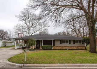 Pre Foreclosure in Justin 76247 S SNYDER AVE - Property ID: 1338272186
