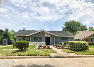Pre Foreclosure in Houston 77035 LATTIMER DR - Property ID: 1338291465