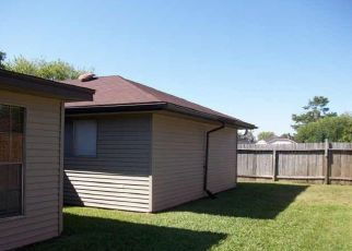 Pre Foreclosure in Humble 77338 SWAN MEADOW LN - Property ID: 1338619505