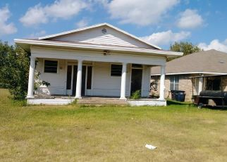 Pre Foreclosure in Fort Worth 76112 STALCUP RD - Property ID: 1338783754